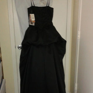 NEW with Tags! Gorgeous black formal gown